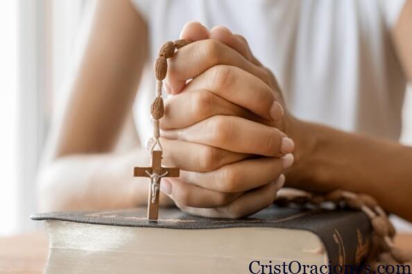 rezando-rosario